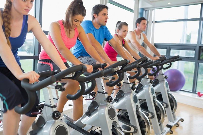 The Pros and Cons of Working Out with Other People
